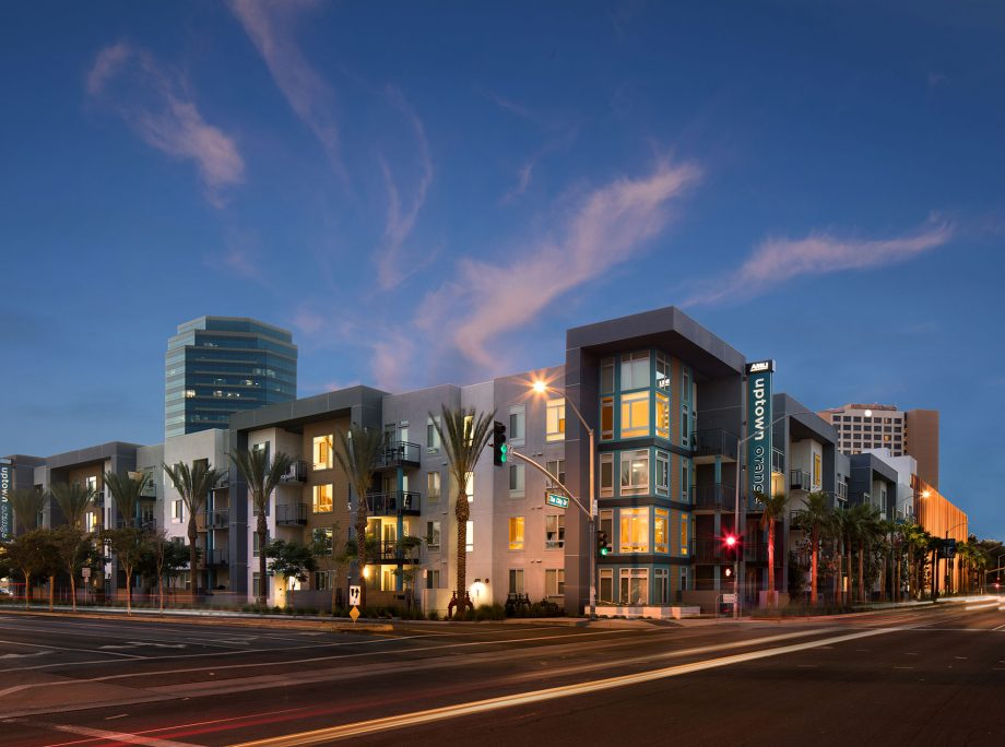 AMLI Uptown Orange | Wrap Apartments | Orange, California | KTGY Architecture + Planning